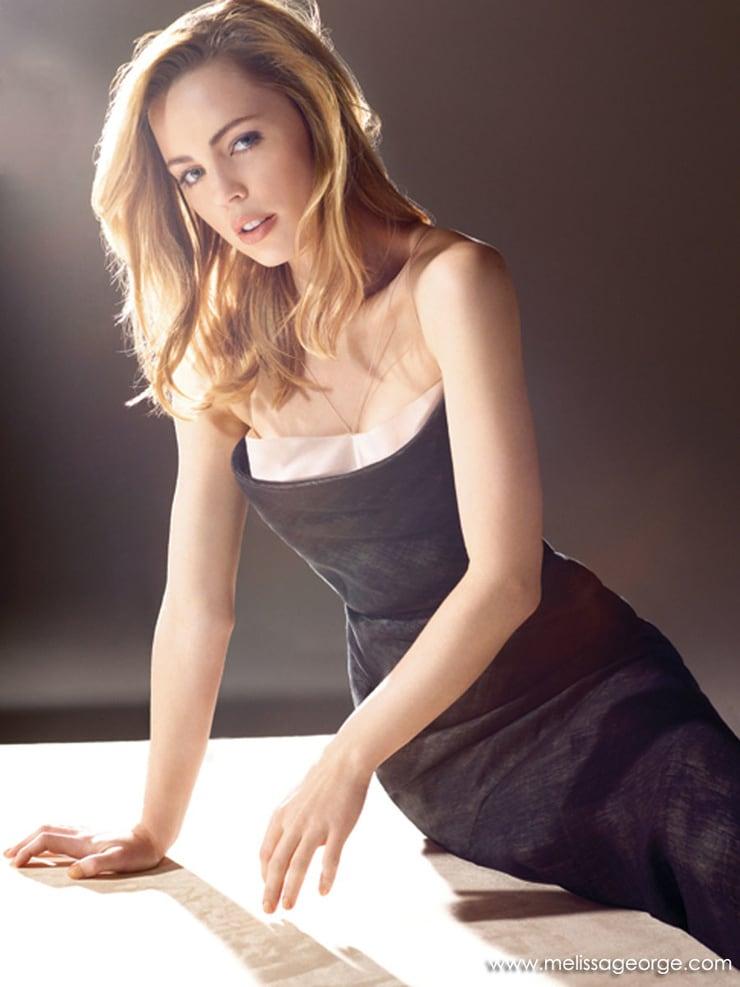 Melissa George cleavagge