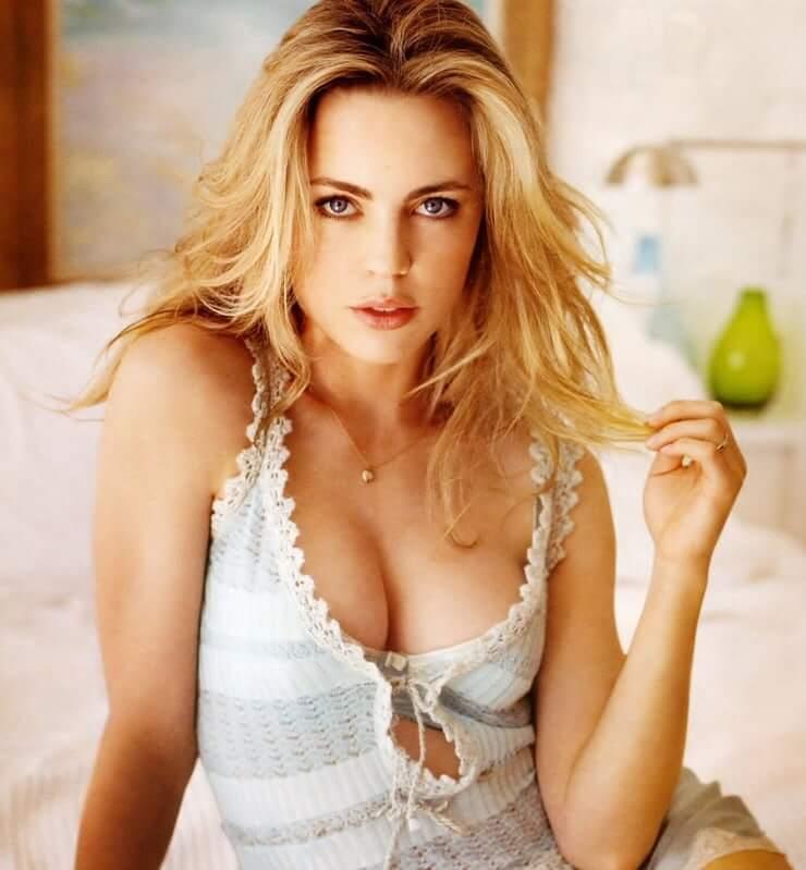 Melissa George side boobs
