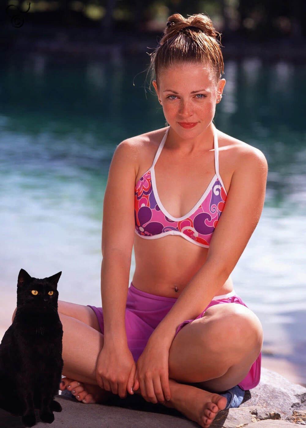 Melissa Joan Hart hot bikini pic