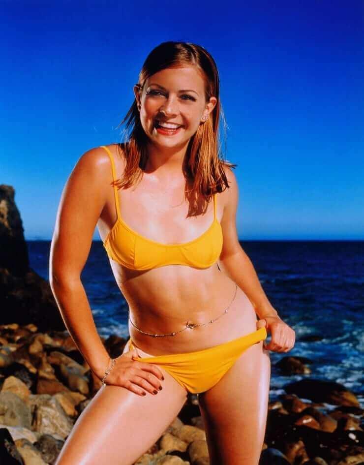 Melissa Joan Hart sexy bikini pic