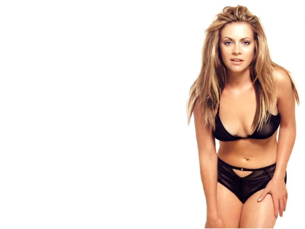 Melissa Joan Hart sexy cleavage