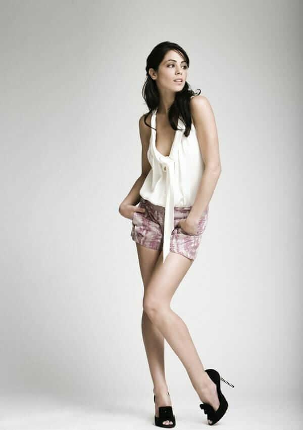 Michelle Borth sexy legs pic