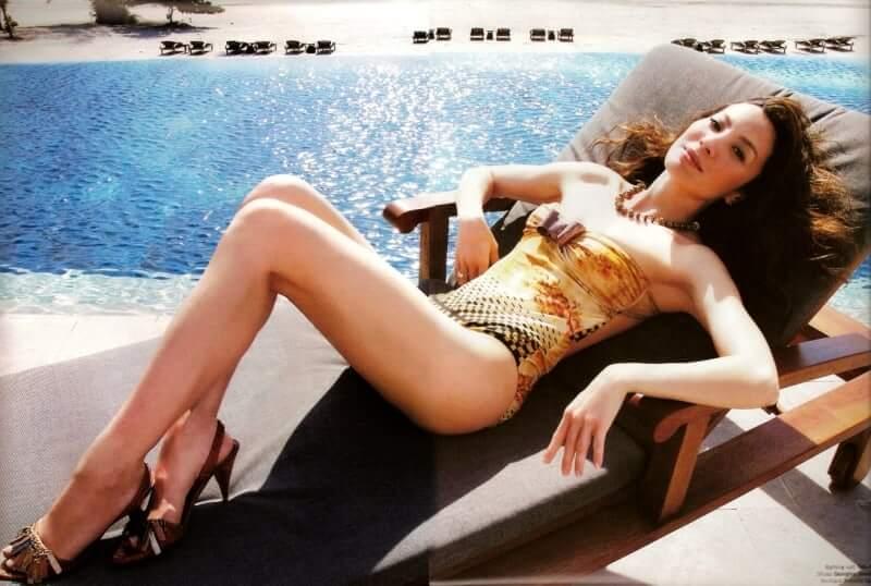 Michelle Yeoh sexy bikini pic