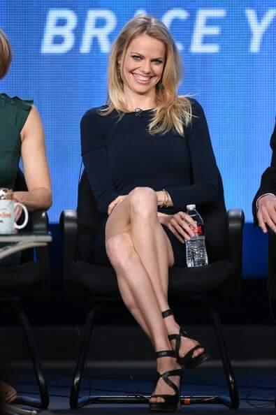 Mircea Monroe sexy feet (2)