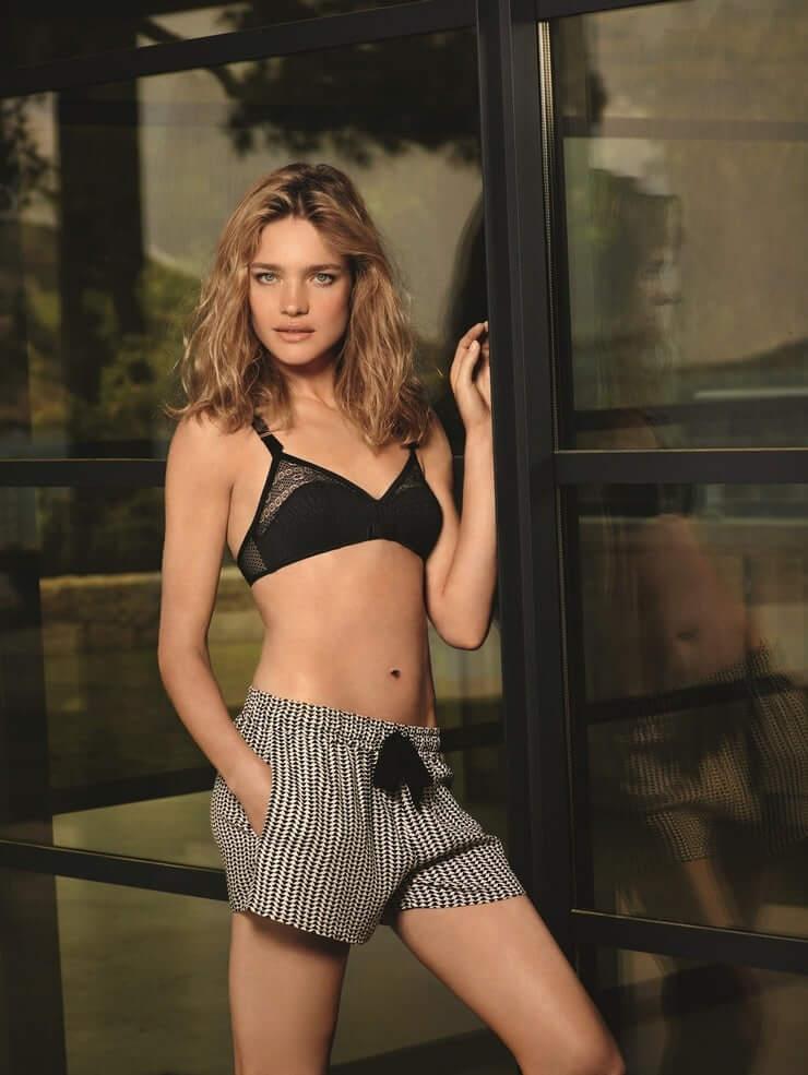 Natalia Vodianova sexy navel