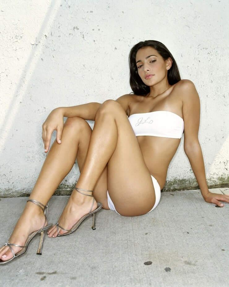 Natalie Martinez sexy look