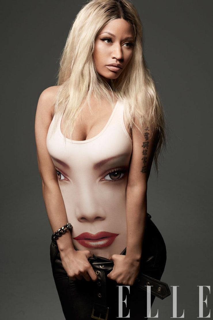 Nicki Minaj sexy pic (2)