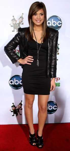 Nicole Gale Anderson sexy legs