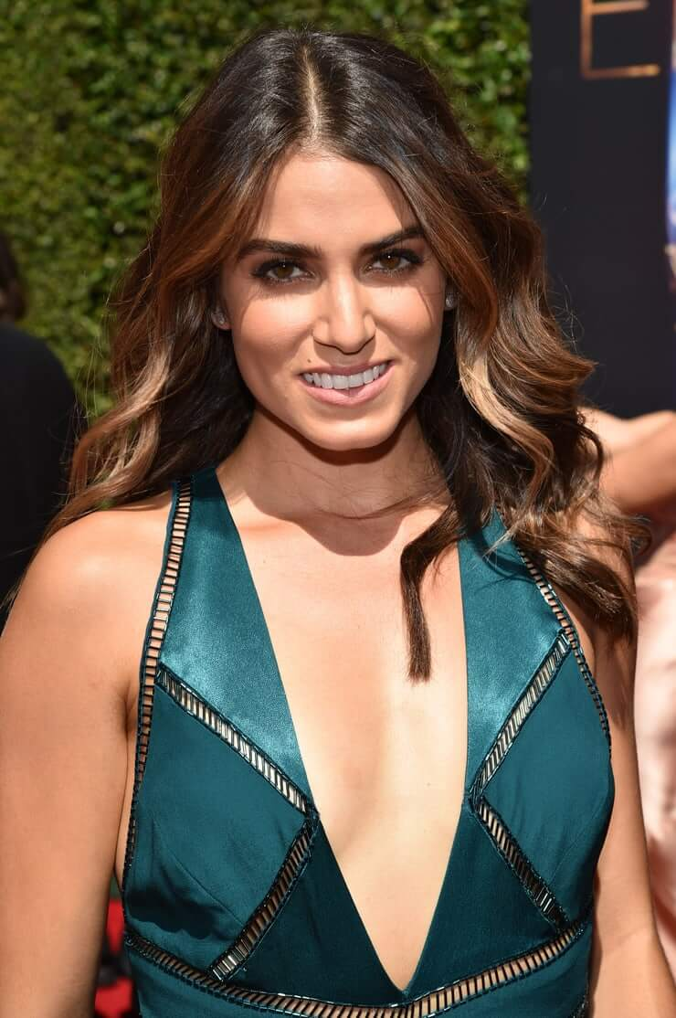 Nikki Reed cleavage pic (2)