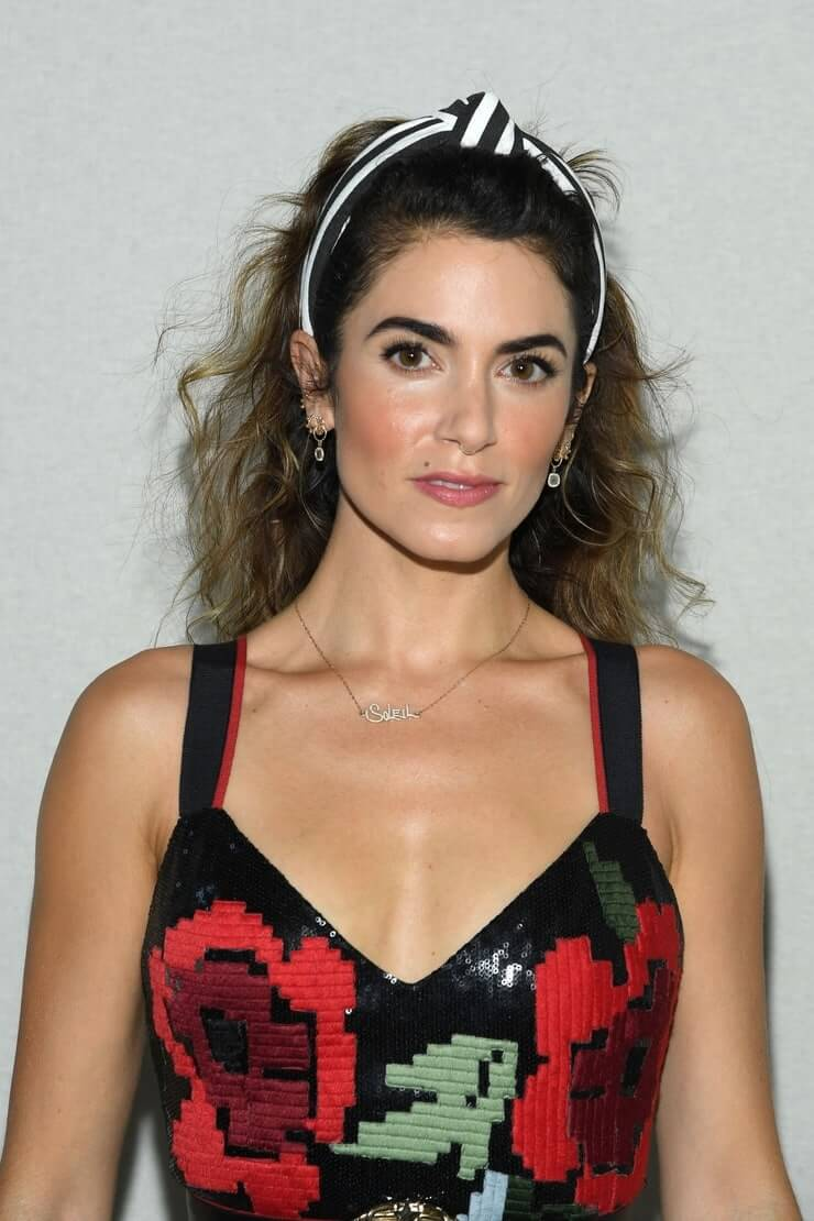 Nikki Reed cleavage pic
