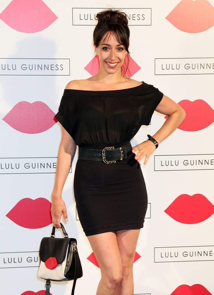 Oona Chaplin hot thighs