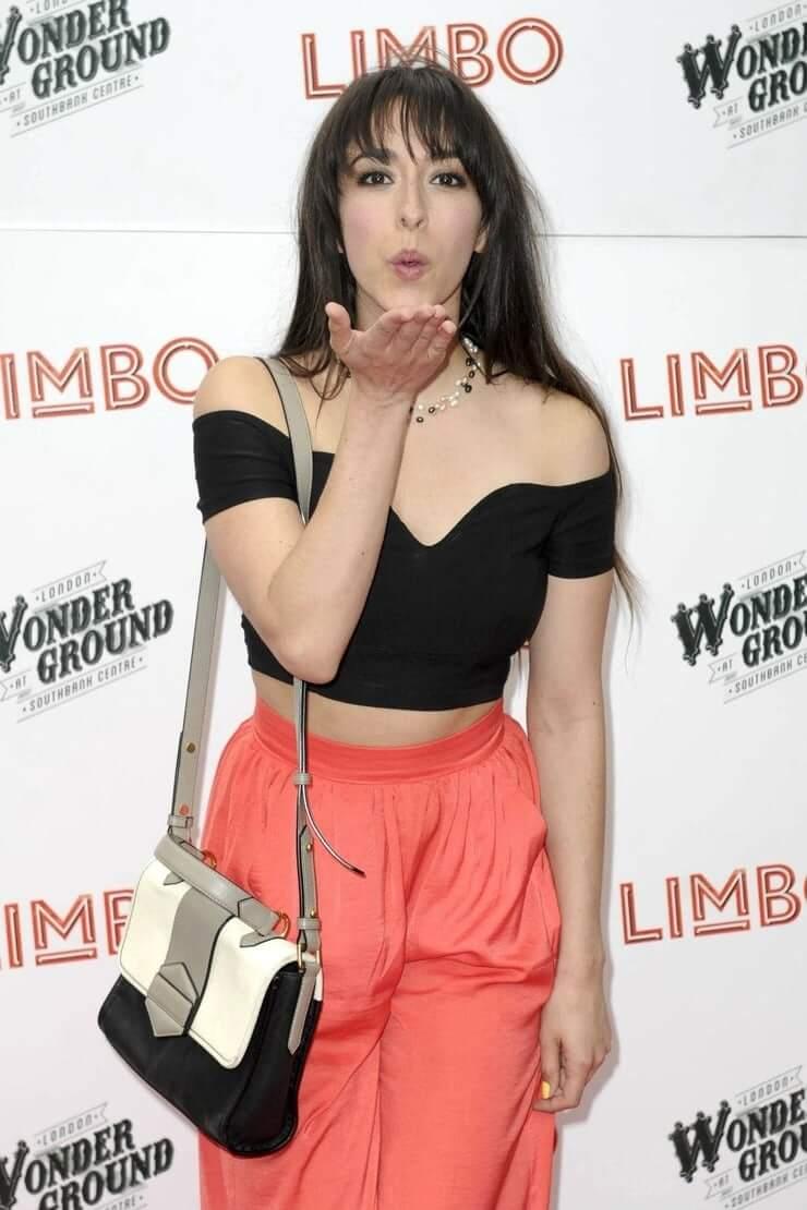 Oona Chaplin sexy pictures