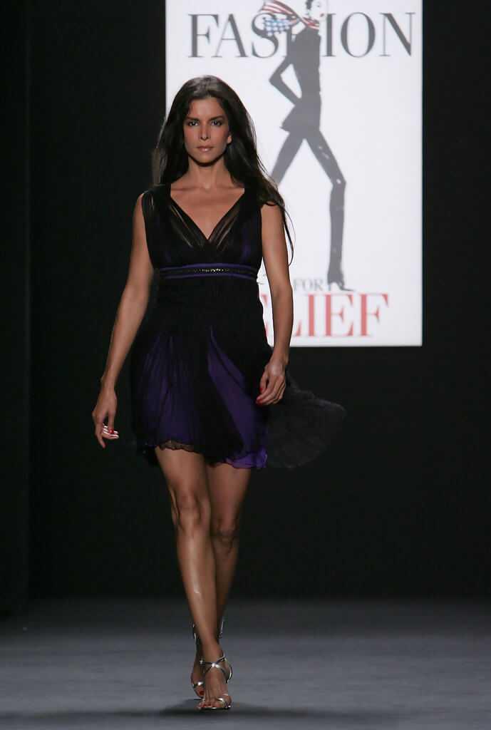 Patricia-Velásquez-sexy-feet-pic