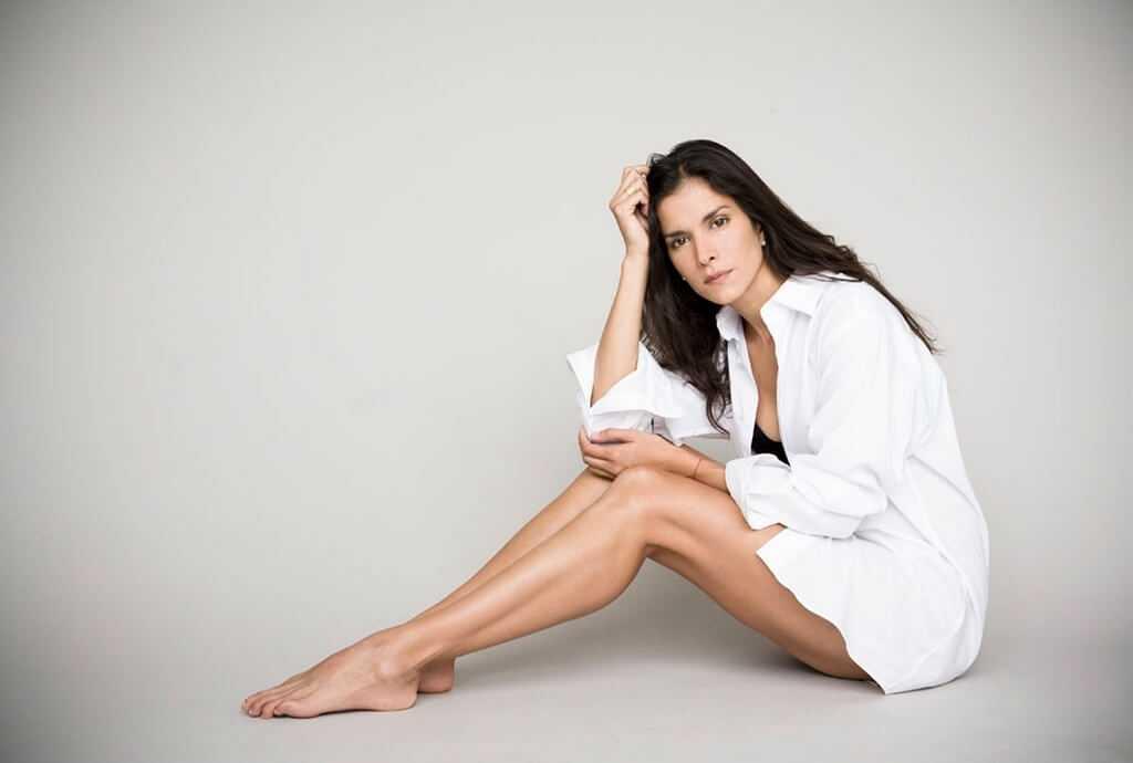 Patricia-Velásquez-sexy-legs