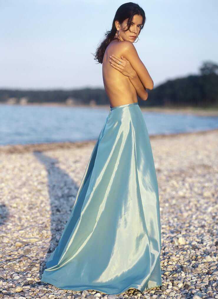 Patricia-Velásquez-topless-sexy