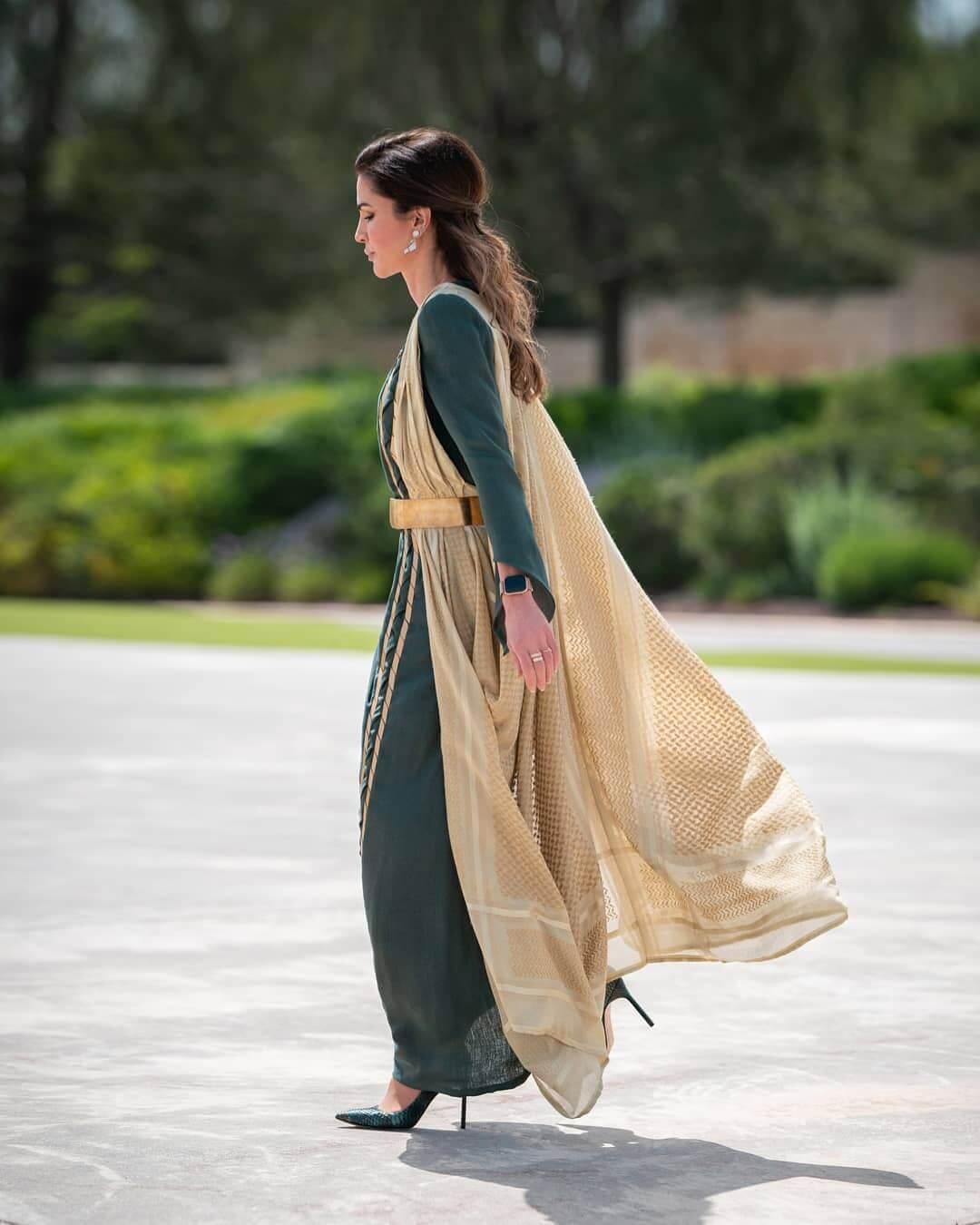 Queen Rania feet high heels