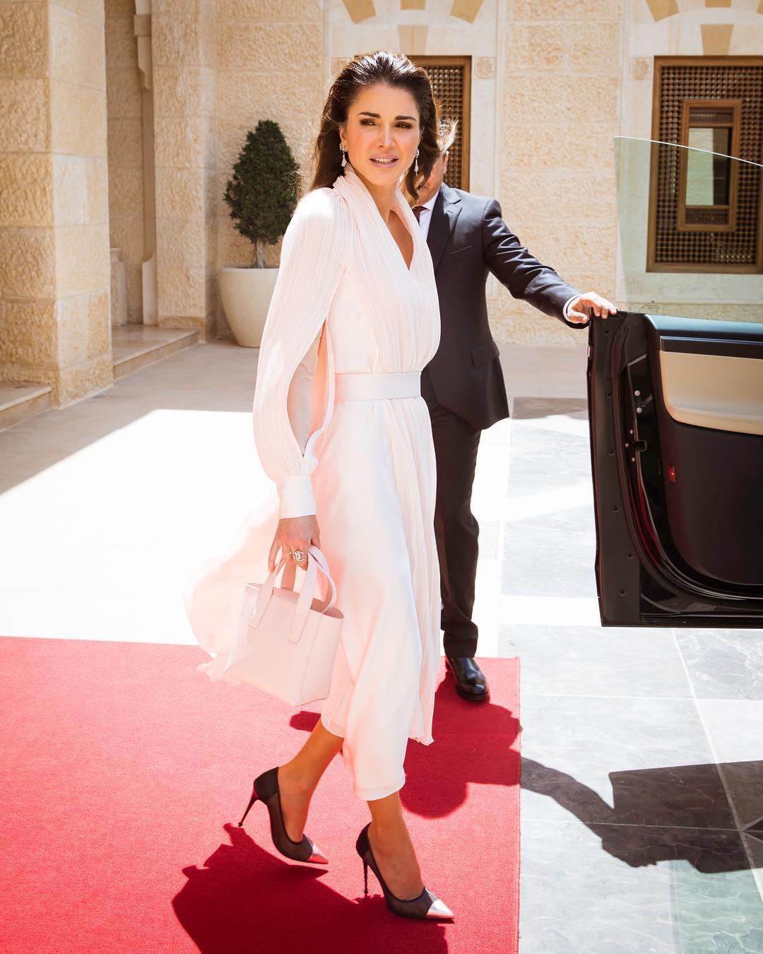 Queen Rania feet sexy