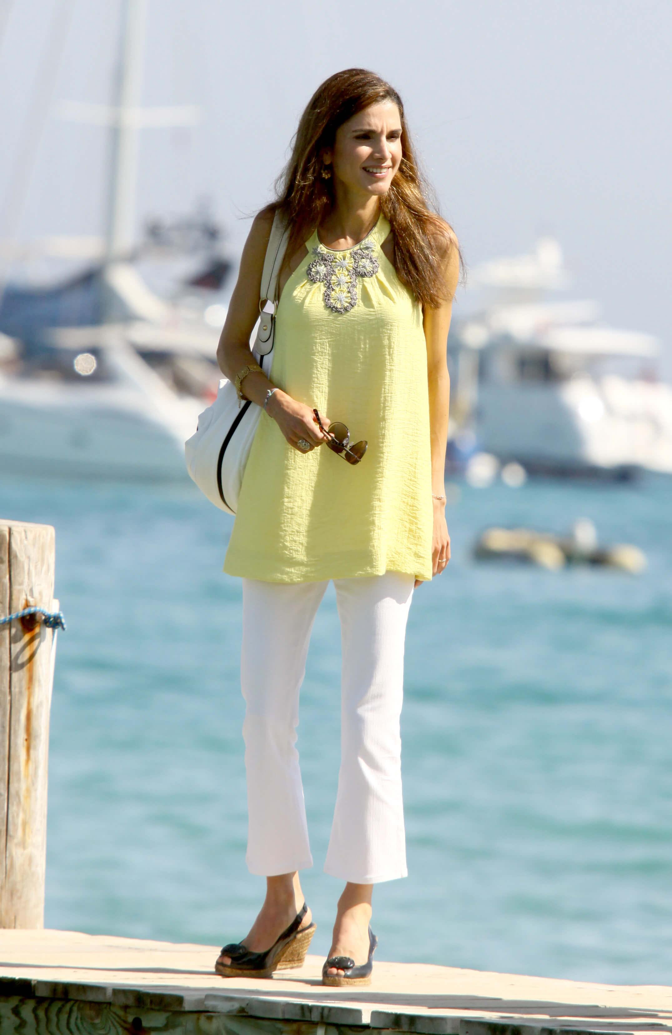 Queen Rania feet