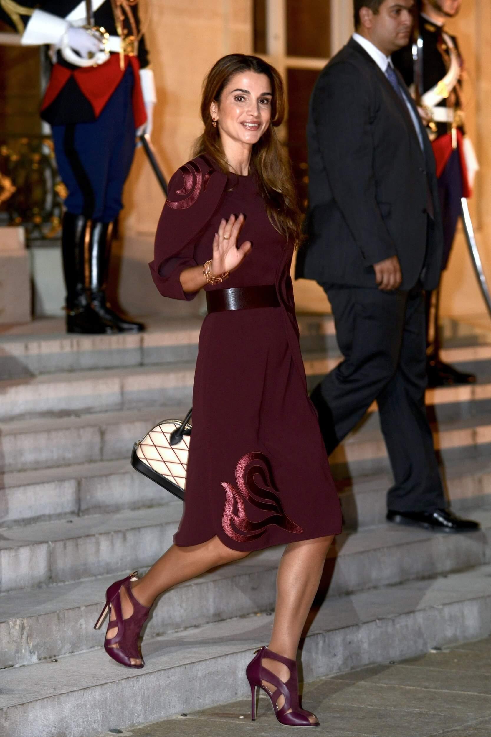 Queen Rania legs hot