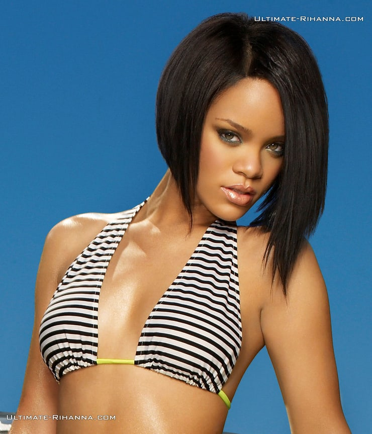 Rihanna sexy lingerie pics