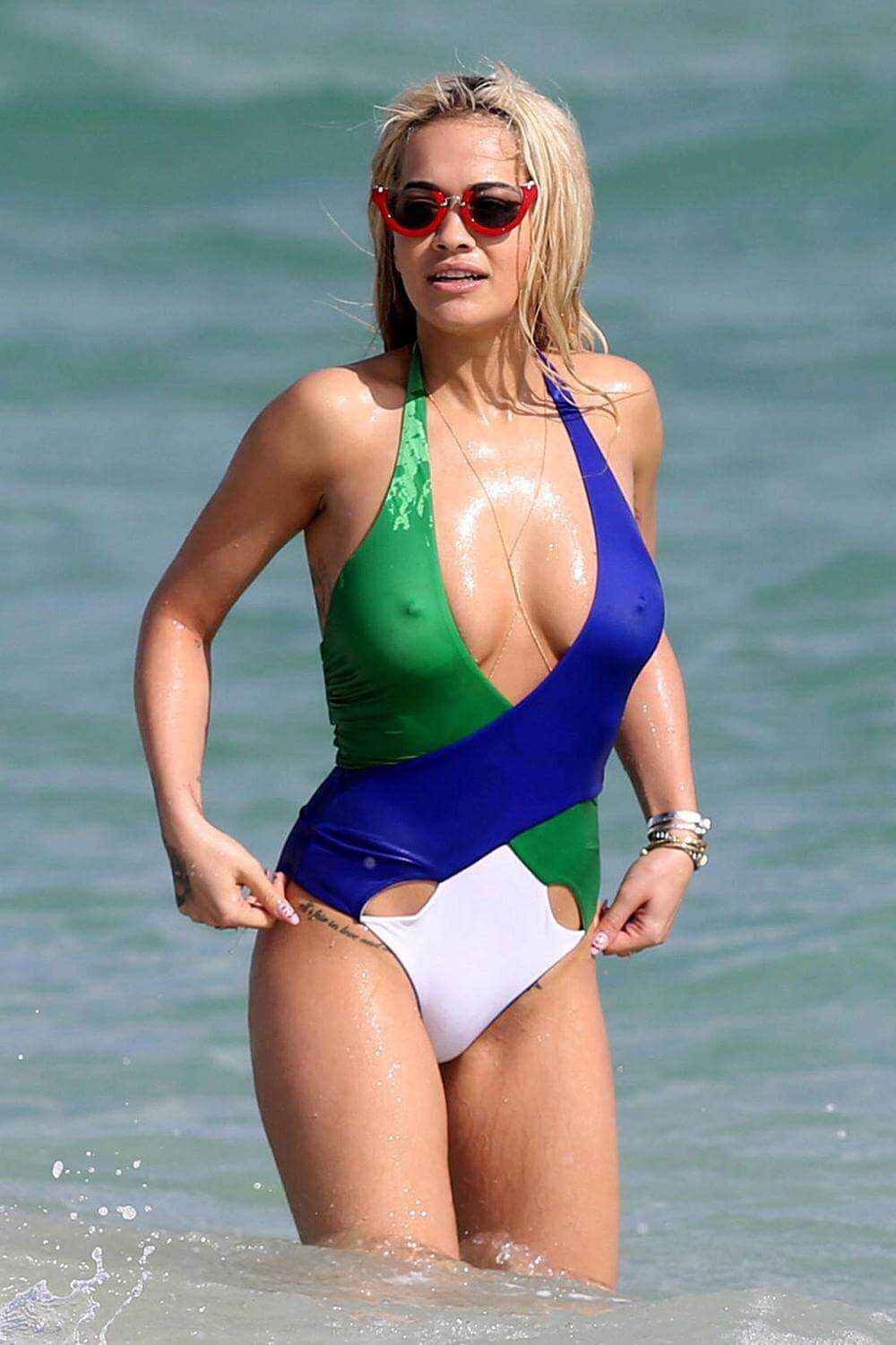 Rita-Ora-sexy-cleavages