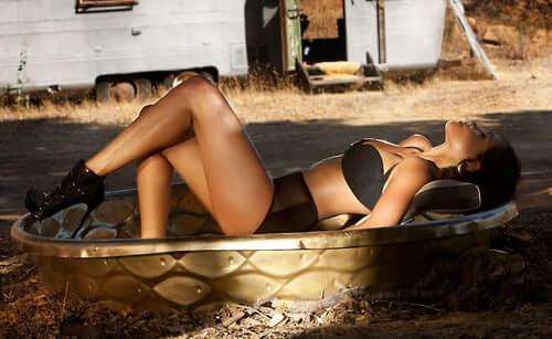 Rosario Dawson sexy ass pics