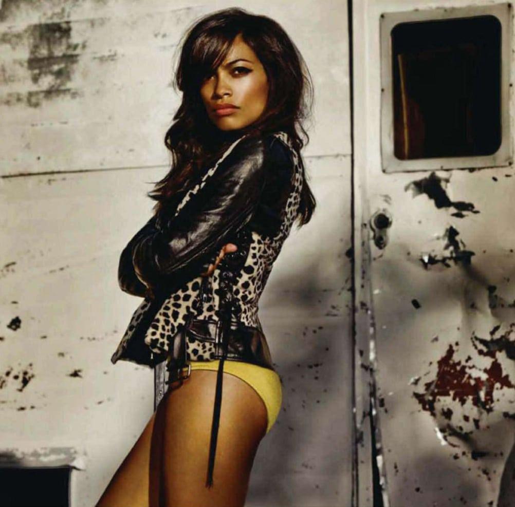Rosario Dawson sexy booty (2)