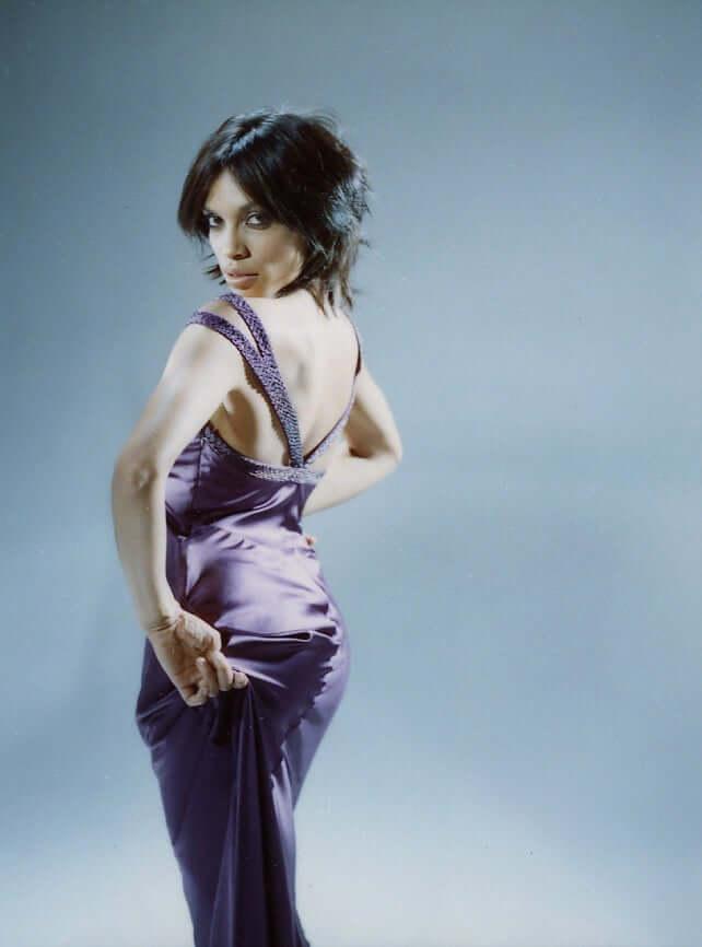 Rosario Dawson sexy booty