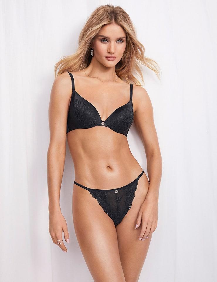 Rosie Huntington-whiteley hot bikini pics