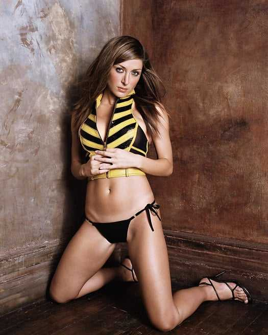 Sasha Alexander awesome thighs