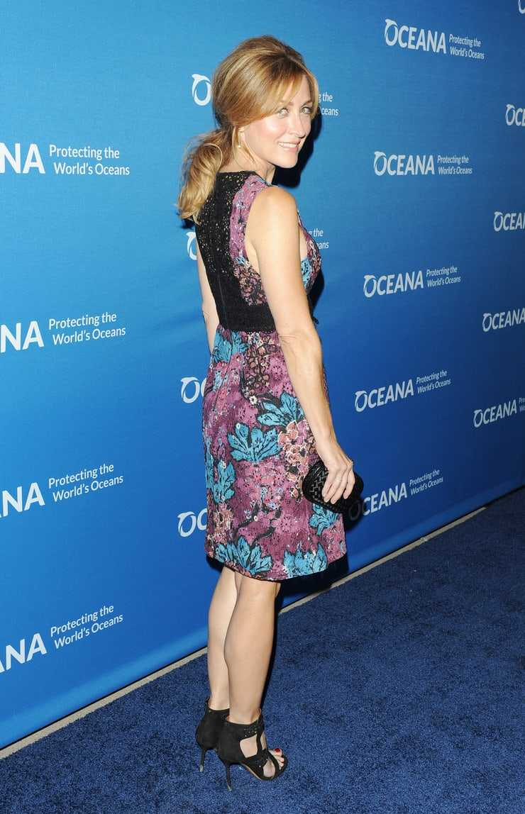 Sasha Alexander butt hot