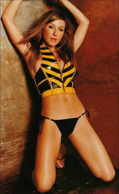 Sasha Alexander hot thighs