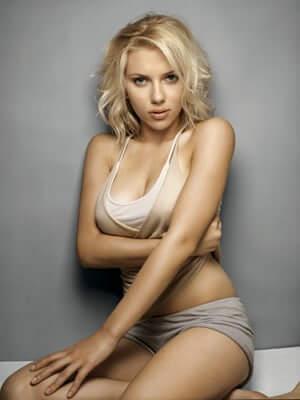 Scarlett Johansson hot boobs