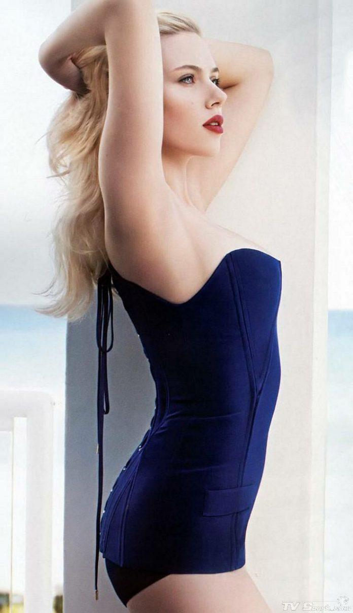 Scarlett Johansson hot busty pics