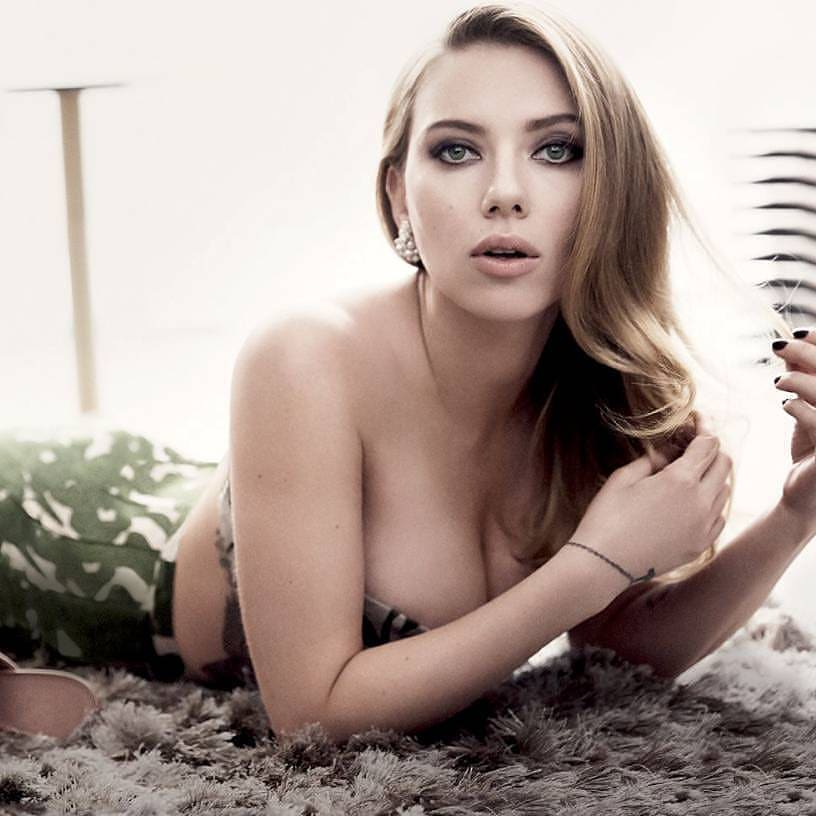 Scarlett Johansson sexy image