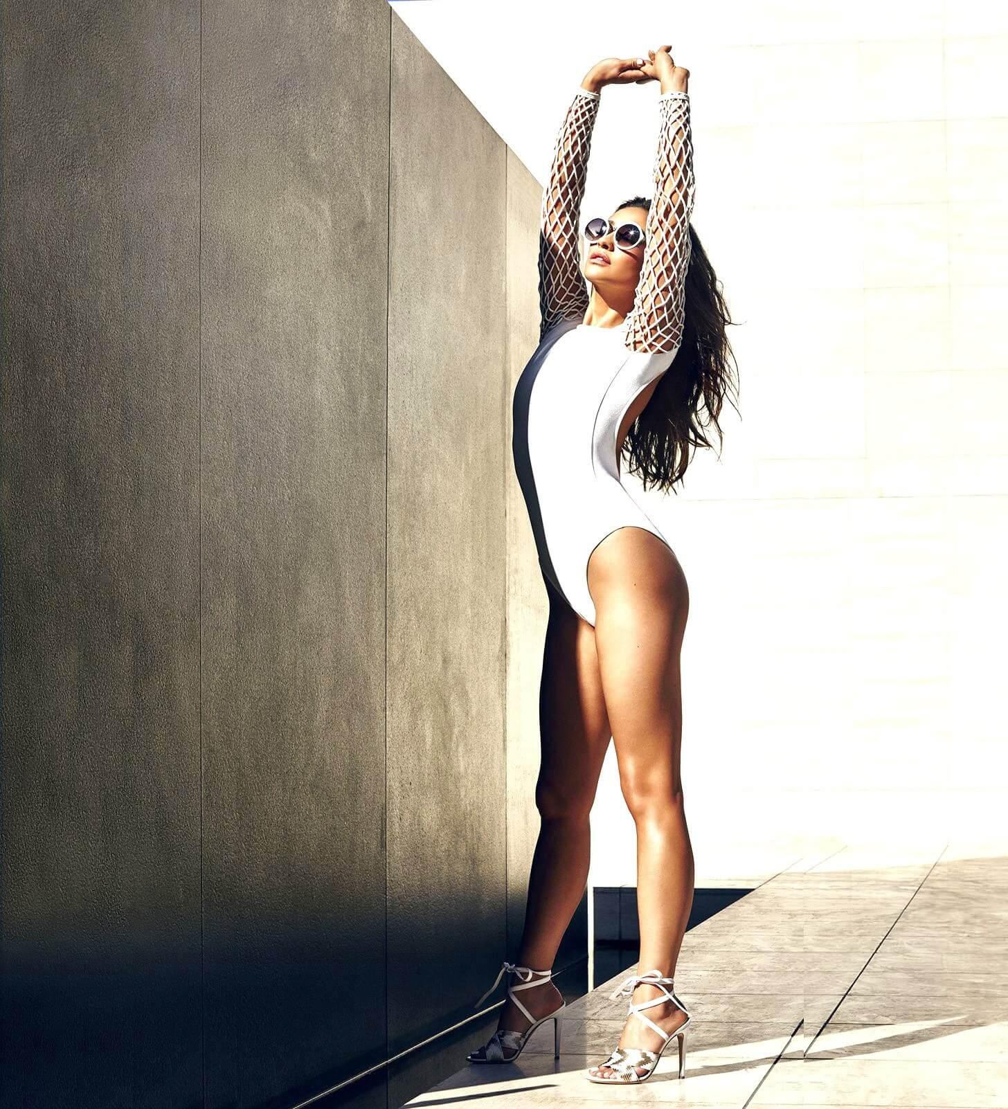 Shay Mitchell sexy legs