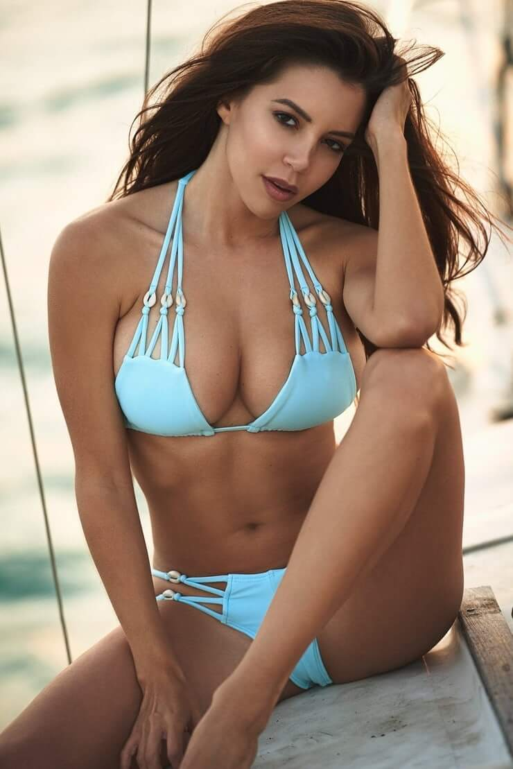Shelby Chesnes hot pictures