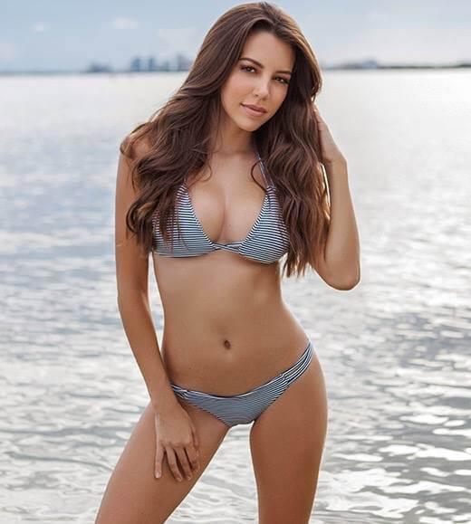 Shelby Chesnes sexy navel
