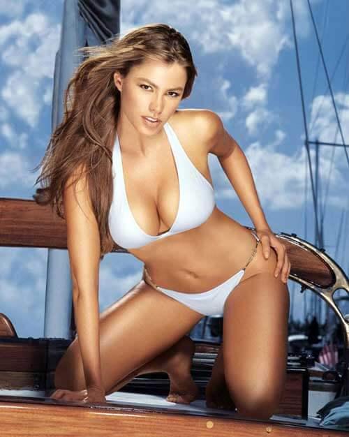 Sofia Vergara sexy boobs (2)