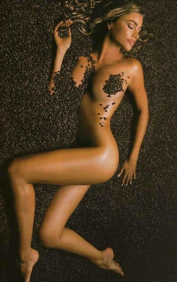 Sofia Vergara sexy lingerie pics