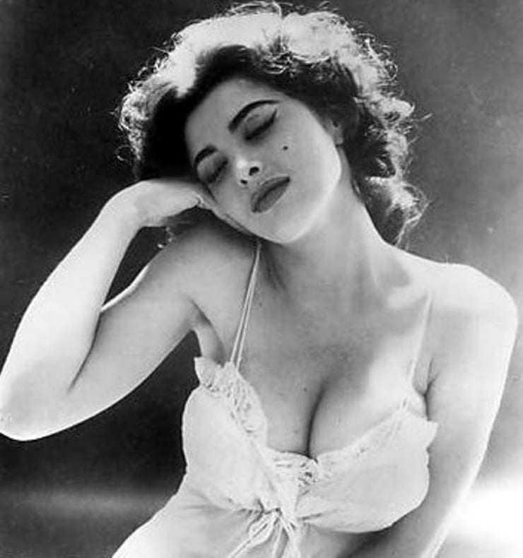 Tina Louise hot pictures