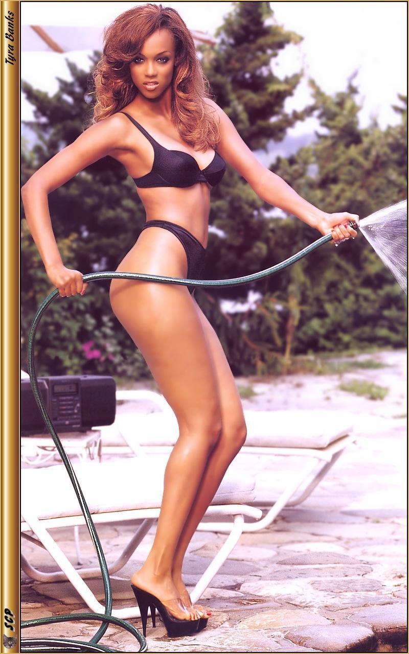 Tyra Banks ass pics