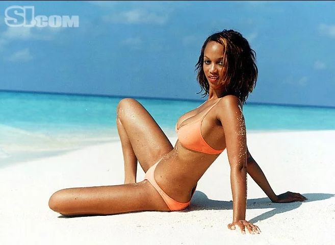 Tyra Banks hot bikini pics