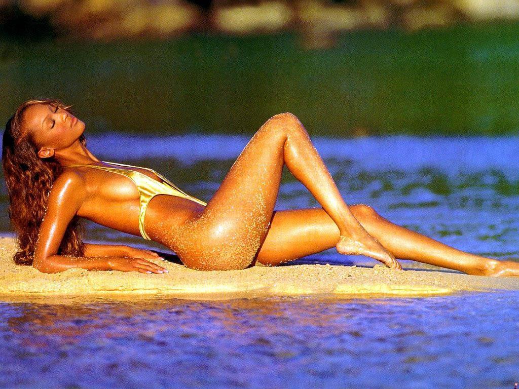 Tyra Banks sexy ass