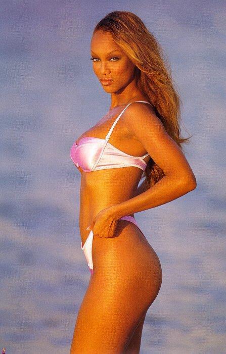 Tyra Banks sexy bikini pics