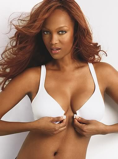 Tyra Banks sexy cleavage pics