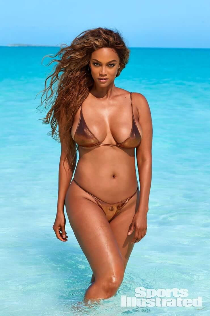 Tyra Banks sexy picture (2)