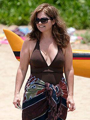 Valerie Bertinelli cleavage pics