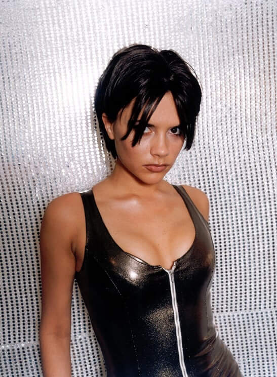 Victoria Beckham sexy cleavage pic