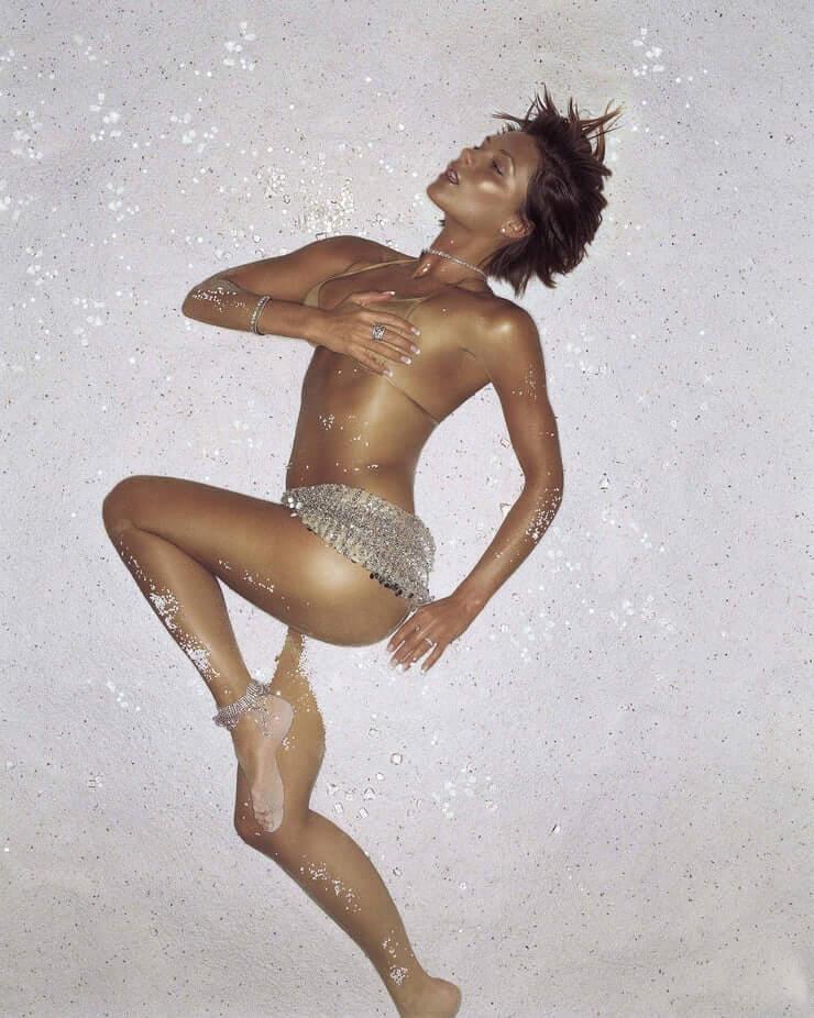 Victoria Beckham sexy look